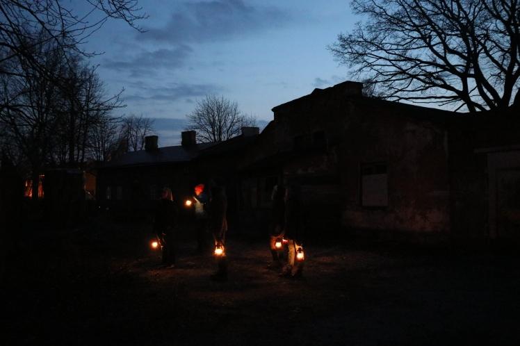 Lantern Hike Doerz